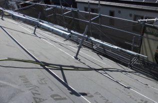 屋根:防水シート張り