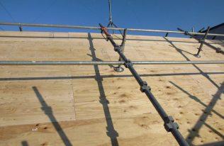 屋根:下地合板張り