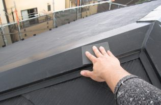 屋根:ケレン作業